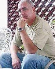 Carlos Otero quedó disponible en Miami y está muy deprimido
