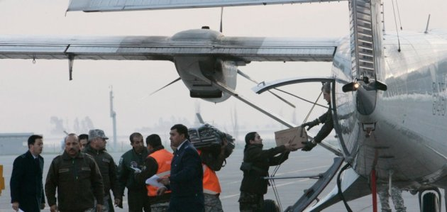 Militares parten en búsqueda de la aeronave. REUTERS