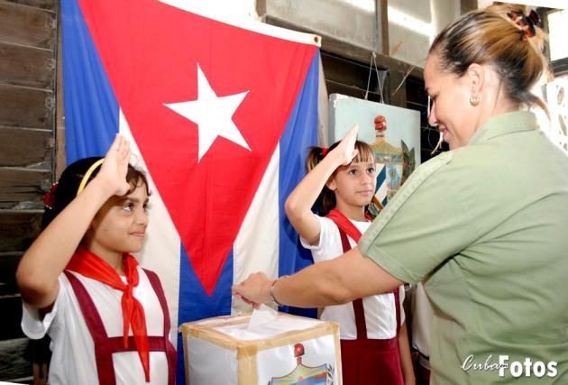 Elecciones del delegado, en el municipio Marianao. Ciudad Habana/Cuba. 22 de Octubre de 2007   Juventud Rebelde/Roberto Suarez