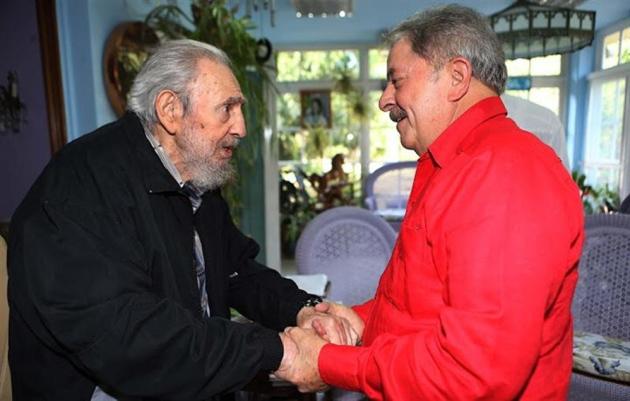 El expresidente Luis Ignacio Lula da Silva visitó al líder de la revolución cubana, Fidel Castro en La Habana.