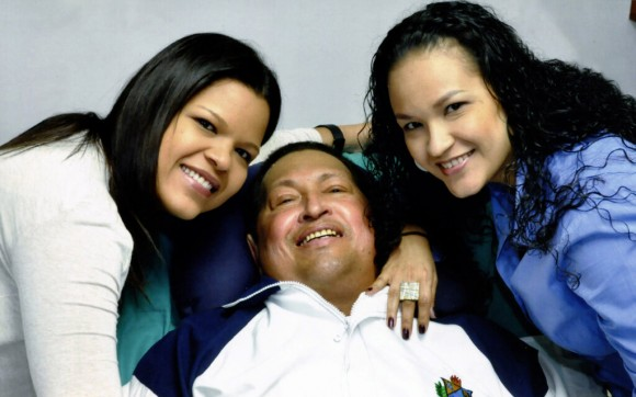 15ya-Chavez--hijas