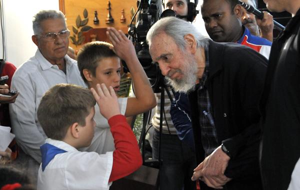 El compañero Fidel ejerció su derecho al voto constitucional y democrático.FOTO: Roberto Suárez/Juventud Rebelde