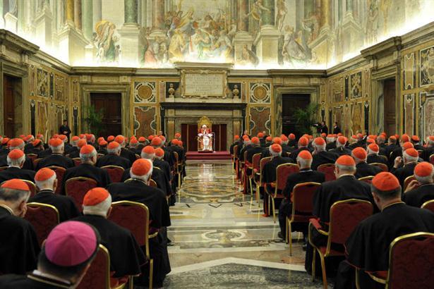Benedicto XVI convocó a los cardenales de todo el mundo en el Vaticano para despedirse de ellos. Foto: AP