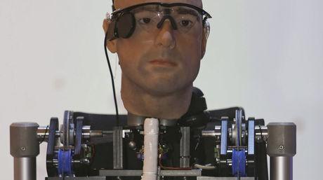 Rex, el primer hombre completamente biónico / EFE