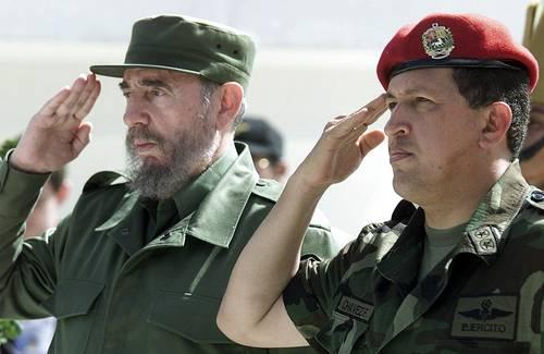 """""""Nos cabe el honor de haber compartido con el líder bolivariano los mismos ideales de justicia social y de apoyo a los explotados. Los pobres son los pobres en cualquier parte del mundo."""" Fidel Castro"""