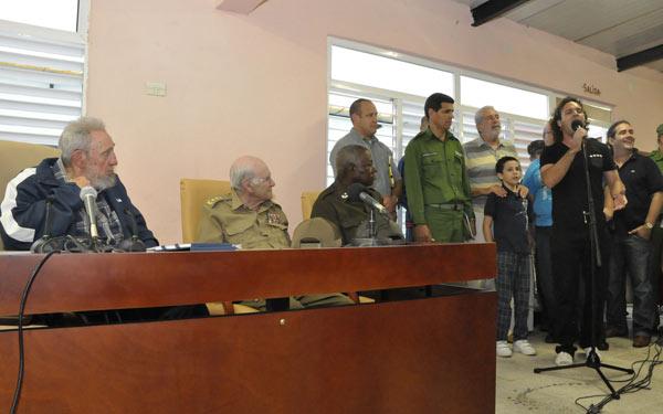 En la actividad se encontraban presentes los miembros del Buró Político Comandante de la Revolución Ramiro Valdés Menéndez, el General de Cuerpo de Ejercito Abelardo Colomé Ibarra y Mercedes López Acea, Primera Secretaria del Partido en La Habana.