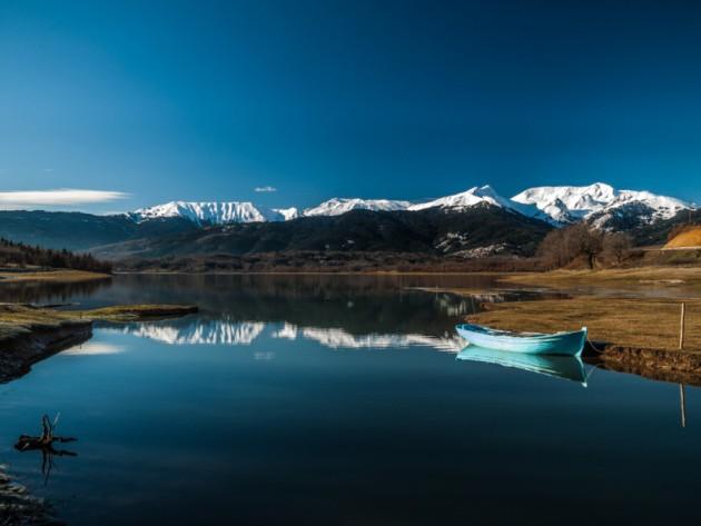 Lago Plastiras en Grecia   The remains of the day