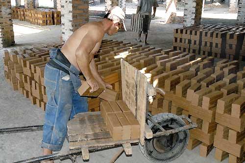 La venta de materiales de la construcción para el programa de la vivienda avanza en lo que va de año en todo el territorio cubano
