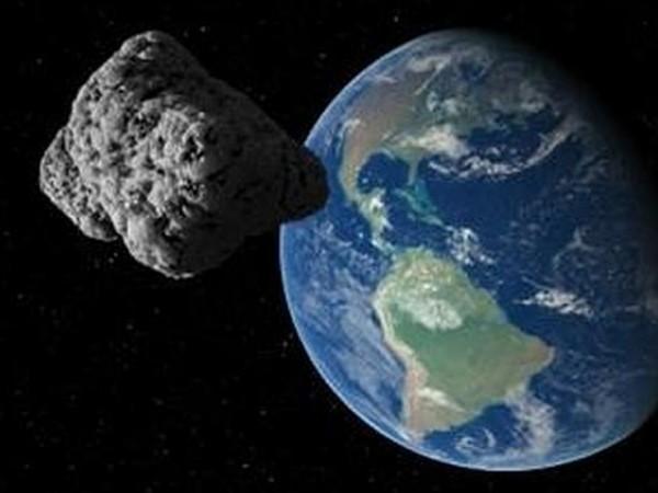Asteroide-pasará-cerca-de-la-tierra-este-viernes-600x450