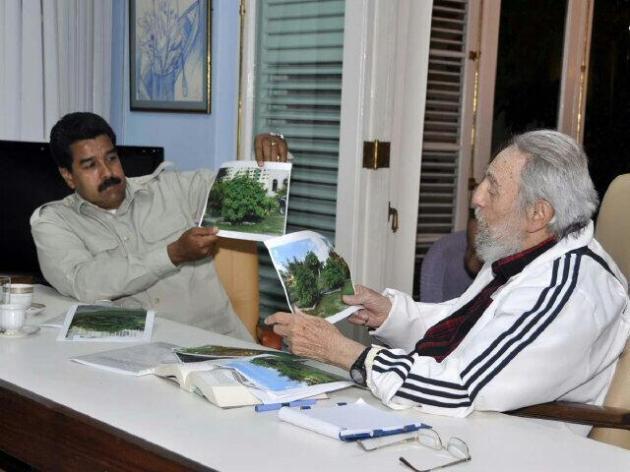 """Como """"reunión histórica"""" catalogó el Pte Maduro su cita con Fidel.""""A 60 años del Moncada, él sigue ahí invicto"""", dijo"""