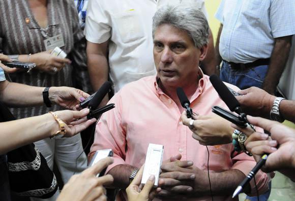 Declaraciones a Cubadebate y otros medios de prensa, del Primer Vicepresidente cubano Miguel Díaz-Canel, durante las sesiones de trabajo del parlamento cubano. Foto: Ismael Francisco/Cubadebate.