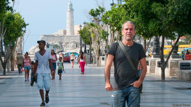 """El actor español Willy Toledo asegura que en La Habana """"he encontrado la ciudad más hermosa del mundo para pasear y la más segura de todas las que conozco con diferencia"""". (Foto: Raquel Pérez)"""