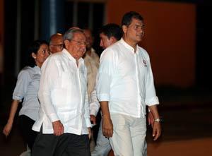 El presidente de Ecuador, Rafael Correa, conversó con el líder histórico de la Revolución cubana, Fidel Castro, y con el presidente Raúl Castro