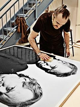 El artista preparando una exposición en Montreal. © François Brunelle
