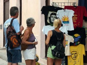 el nivel de satisfacción de los turistas extranjeros que visitan la nación caribeña sobrepasa el 90 por ciento