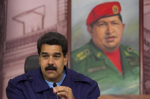 El presidente de Venezuela, Nicolás Maduro, habla durante una rueda de prensa en el Salon Simón Bolívar del Palacio de Miraflores