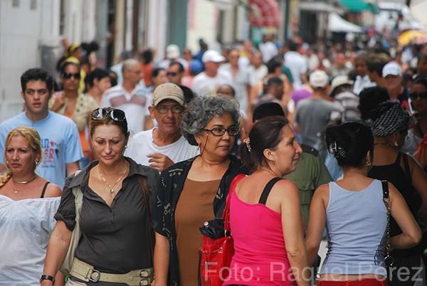 El radicalismo de unos nutre el de los otros. Y, en medio de ellos Cuba, una nación a la que no dejan avanzar al ritmo que podría