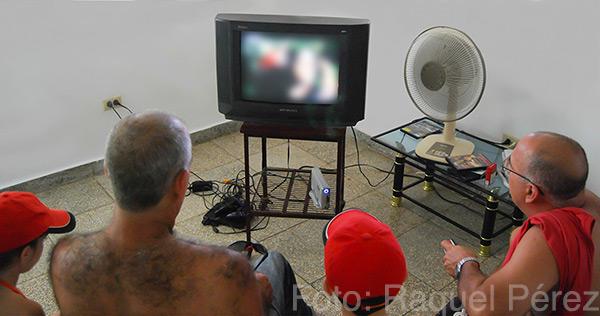 El bloqueo de la señal es tan eficaz que no conozco a nadie en Cuba que haya logrado sintonizar alguna vez TV Martí