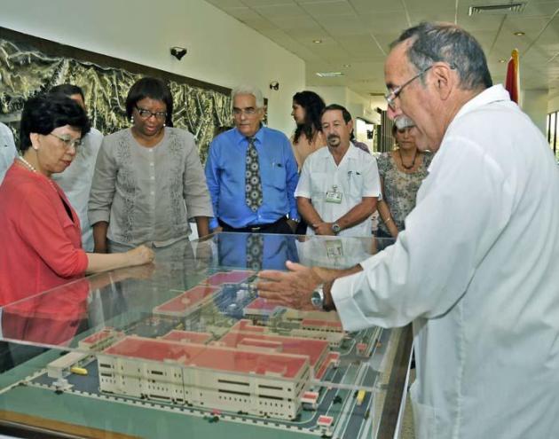 Margaret Chan, directora general de la Organización Mundial de la Salud (OMS), y Carissa F. Etienne, directora de la Organización Panamericana de la Salud (OPS), recorrieron diversas instituciones de salud en Cuba.