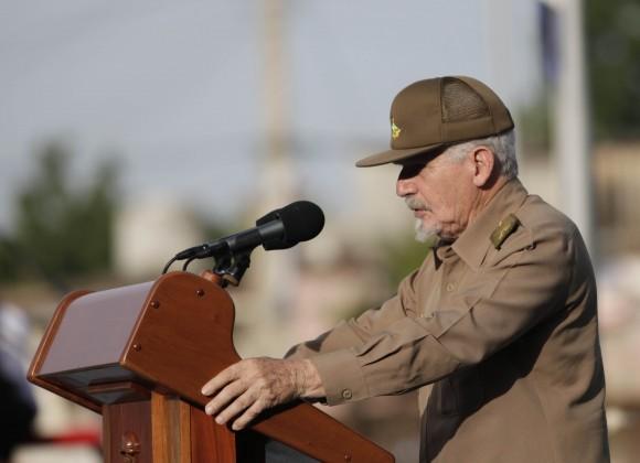 El Comandante Ramiro Valdés Menéndez fue el orador principal del Acto en Artemisa. Foto: Ismael Francisco