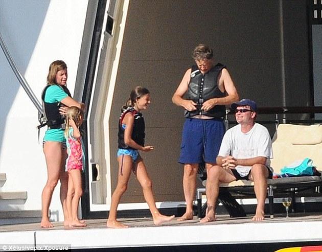De vuelta en el barco: Bill Gates bordo El Serene con su esposa, Melinda