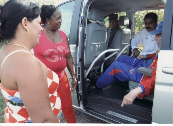 """Les pregunté si conocían al acompañante. Lo miraron bien y dijeron: """"El presidente Maduro"""", y sonrieron con picardía."""