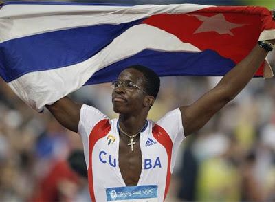 Dayron Robles sigue corriendo en Europa y los 110 metros con vallas en Cuba han quedado casi al desnudo.