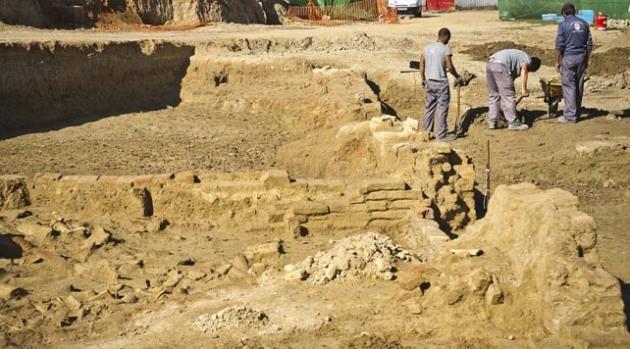 Excavaciones arqueológicas donde se han hallado distintos vestigios de tipo artesanal y pesquero, que parecen situar en este punto exacto el lugar del que partieron las tres carabelas de Colón hacia el Nuevo Mundo en 1492.EFE / JULIÁN PÉREZ
