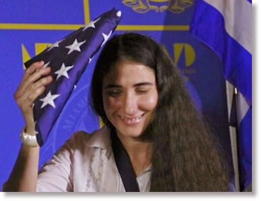 yoani-con-bandera-usa-yoani-usa1