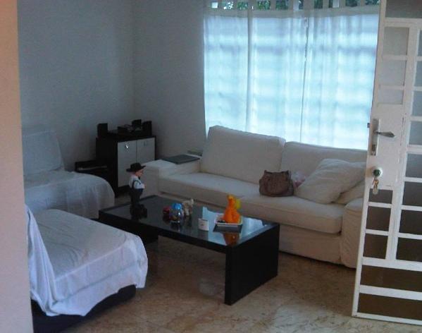 @yusnaby aquí reparando la casa, y descansando un poco, ¿cómo me veo?