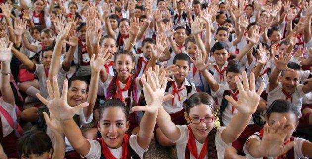 Niños y niñas de una escuela holguinera. Foto: Jean Claude Orru)
