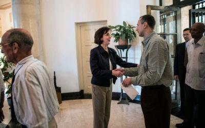 """Roberta Jacobson, se reunió el viernes en La Habana, durante una hora y cuarenta minutos, con sectores de la llamada """"disidencia"""" interna."""