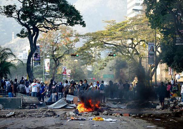 Venezuela-guarimba eso querían hacer en Cuba.