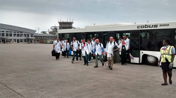medicos-cubanos-yordanis2