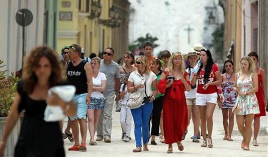 371 160 viajeros arribaron al país en enero pasado